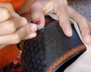 Klangschalen Herstellung Gravur
